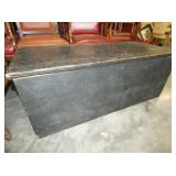 EARLY NC BUTTER MILK PAINT BLANKET BOX