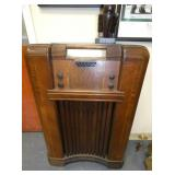 PHILCO FLOOR MODEL RADIO