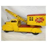 VIEW 2 OTHERSIDE MARX MAGNETIC CRANE TRUCK W/ MAGNET