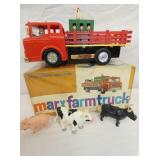 11IN MARX BATTERY OP. FARM TRUCK W/ ANIMALS & BOX