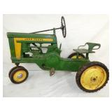 ORIG. 1956 #620 JD PEDAL TRACTOR