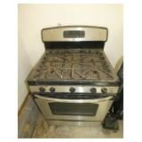 VIEW 2 GE STAINLESS GAS STOVE
