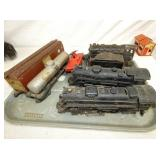 LIONEL TRAIN CARS & ENGINES