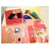 SEV. PIECES BARBIE AND KEN CLOTHING