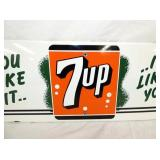 VIEW 2 CLOSE UP PORC. 7UP SIGN