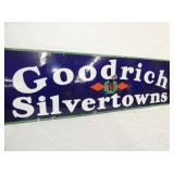 VIEW 2 CLOSE UP PORC. GOODRICH SILVERTOWNS SIGN