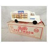 VIEW 3 MARX PEPSI TRUCK W/ BOX AND CRATE