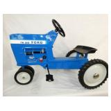 VIEW 2 OTHERSIDE FORD TW-20 PEDAL TRACTOR