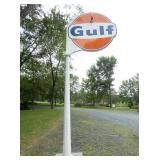 VIEW 3 OTHERSIDE COMPLETE PORC. GULF POLE SIGN