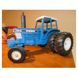 1:18 SCALE TW-15 FORD TOY TRACTOR