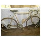 SCHWINN MENS BICYCLE W/WATER BOTTLE