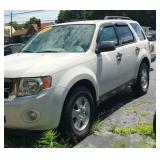 VIEW 2 DRIVERS SIDE FORD ESCAPE CLEAN