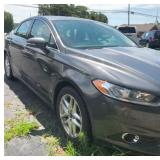 VIEW 3 FRONT SIDE Ford Fusion