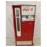 COCA COLA CAVALIER DRINK BOX 64F