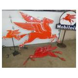 GROUP PICTURE MOBILOIL PEGASUS ITEMS