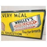VIEW 3 RIGHTSIDE WRIGLEYS GUM SIGN