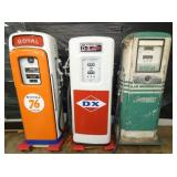 GROUP PICTURE GAS PUMPS