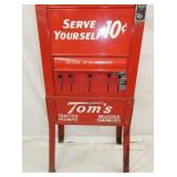 VIEW 3 BOTTOM 10 CENT TOMS VENDING MACH.