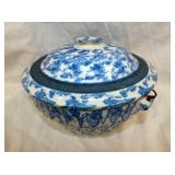 VIEW 2 BLUE/WHITE STONEWARE W/ LID