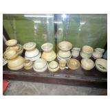 COLLECTION YELLOW WARE BOWLS