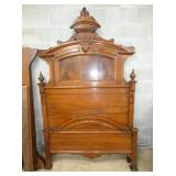 MATCHING WALNUT 2PC. VICT. BED SUITE