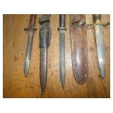 VIEW 3 MILITARY KNIVES/DAGGERS