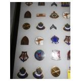 VIEW 2 COLLECTION VARIOUS MILITARY PINS