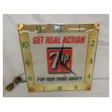 15IN 7UP GET REAL ACTION CLOCK