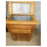 VIEW 2 OAK ICE CHEST