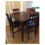 Raymour & Flanigan Bar Height Table & 4 Chairs
