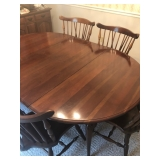 Dining table w 2 leaves