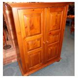 BEAUTIFUL ETHAN ALLEN CABINET