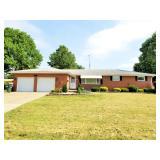 North Canton, OH - Fine Brick Ranch Home