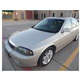 2004 Lincoln LS - Runs - current bid $800