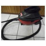 Working Craftsman 4-Gallon Shop Vac - current bid $15