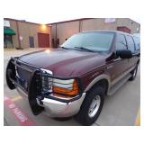 2000 Ford Excursion Limited 4x4 - Runs - current bid $1050