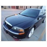 2000 Lincoln LS - Runs - current bid $900