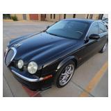 2004 Jaguar S-Type - Runs - current bid $750