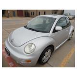 2000 Volkswagen Beetle GLX - runs - current bid $500