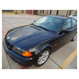 2000 BMW 323i - runs - current bid $750