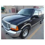 2000 Ford Excursion Limited - Runs - current bid $750