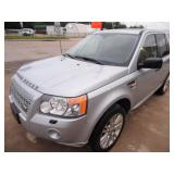 2010 Land Rover LR2 HSE - Runs - current bid $3000