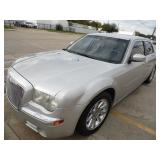 2007 Chrysler 300C Hemi - current bid $1150