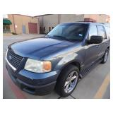 2003 Ford Expedition XLT - Runs - current bid $700
