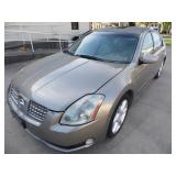 2004 Nissan Maxima SE Sedan - Runs - current bid $600