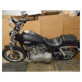 2009 Harley Davidson Dyna Superglide FXD Motorcycle - current bid $1550