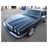 2001 Jaguar XJ Series Vanden Plas - Runs - current bid $550