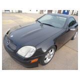 2001 Mercedes SKL320 HardTop Convertible Runs - current bid $800