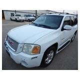 2005 GMC Envoy Denali 4x4 5.3L Vortec- Runs - current bid $800