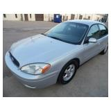 2007 Ford Taurus - runs and drives - Current bid $300